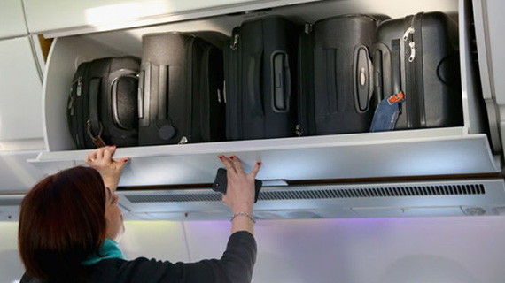 Какво трябва да знаем когато пътуваме с ръчен багаж?