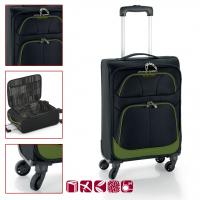 Удобен черен куфар Etna с четири колела