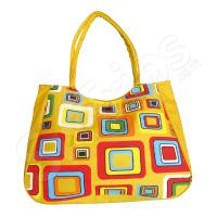 Жълта плажна чанта с цветни елементи