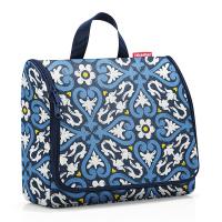 Синя чанта за тоалетни принадлежности за пътуване със закачалка Reisenthel Toiletbag XL, floral 1