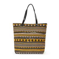 Жълта плажна чанта с геометрични фигури и декорация от черни пайети HatYou