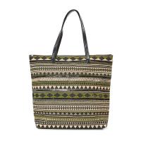 Зелена плажна чанта с геометрични фигури и декорация от черни пайети HatYou