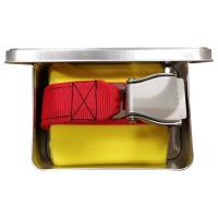 Червен мъжки ръчно изработен колан със закопчаваща се катарама от самолет
